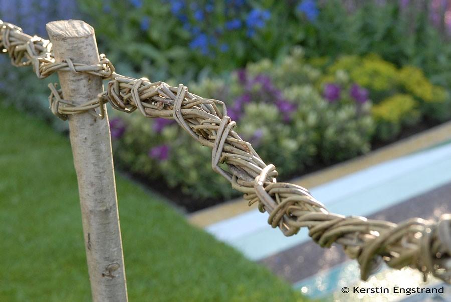 Pil i form av staket och skulpturer är tillbaka. Foto: Kerstin Engstrand
