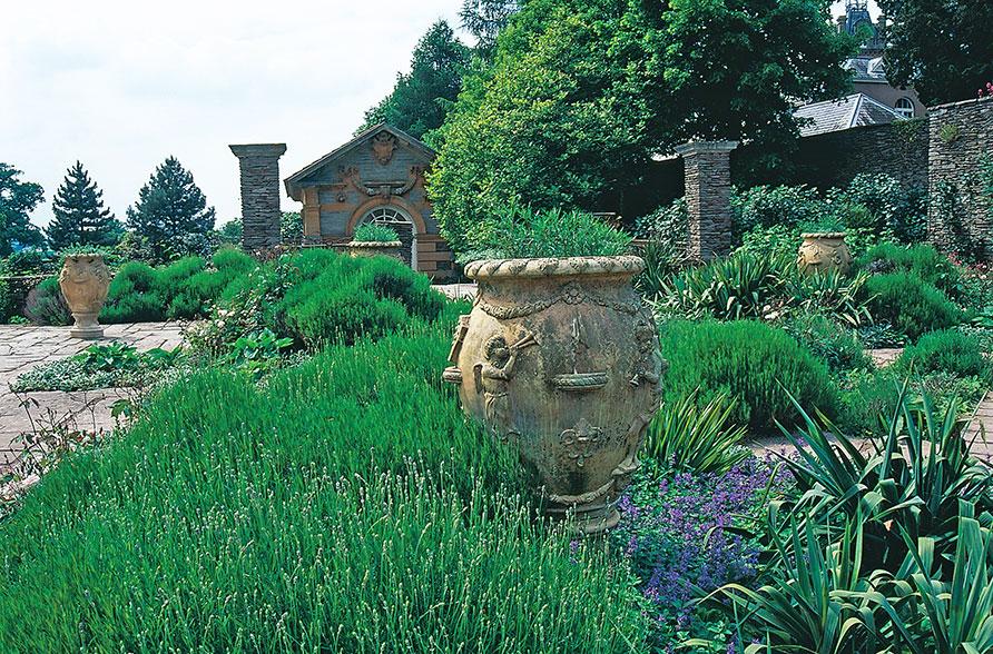 Gertrude Jekylls Hestercombe Gardens är än idag en mycket modern trädgård. Foto: Kerstin Engstrand
