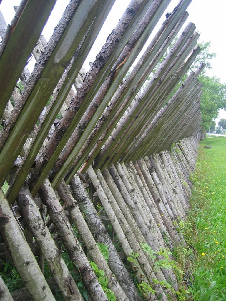 Som ett fort, detta tun finns på Gotland. Foto: Kerstin Engstrand
