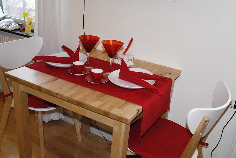 Förslag på dukning. Bilden är tagen på Silviahemmet 2007. Foto: Kerstin Engstrand